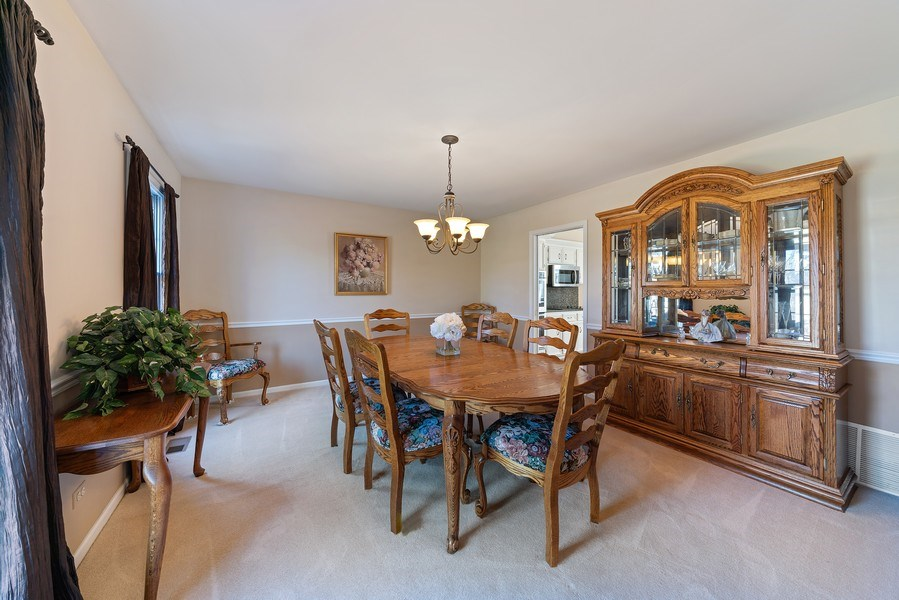 Real Estate Photography - 9 Ashbury Ln, Barrington Hills, IL, 60010 - Dining Room