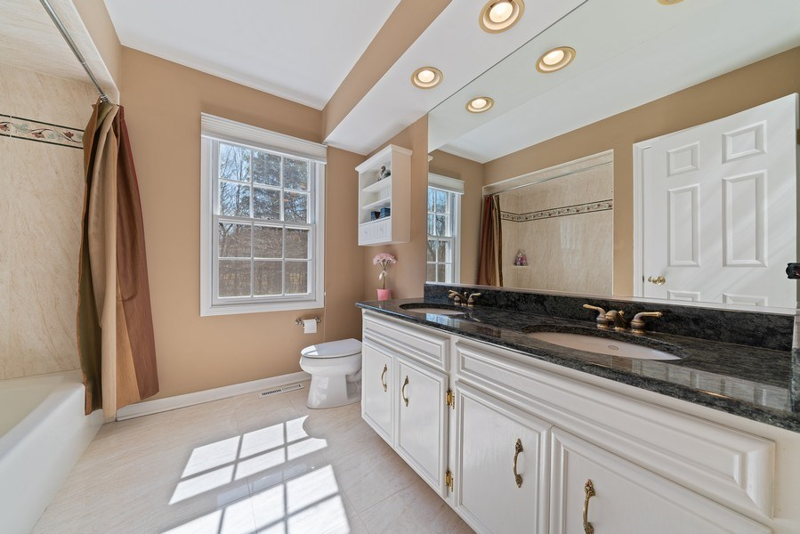 Real Estate Photography - 9 Ashbury Ln, Barrington Hills, IL, 60010 - 2nd Bathroom
