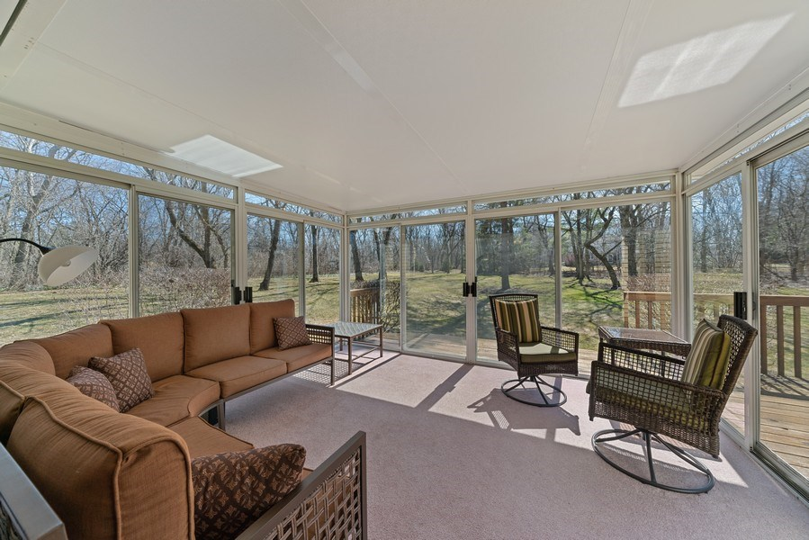Real Estate Photography - 9 Ashbury Ln, Barrington Hills, IL, 60010 - Sun Room