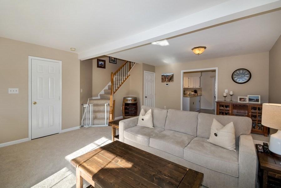 Real Estate Photography - 15072 Ardmore Loop, Woodbridge, VA, 22193 - Living Room