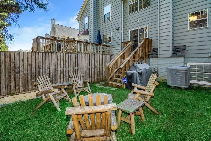 Real Estate Photography - 15072 Ardmore Loop, Woodbridge, VA, 22193 - Back Yard