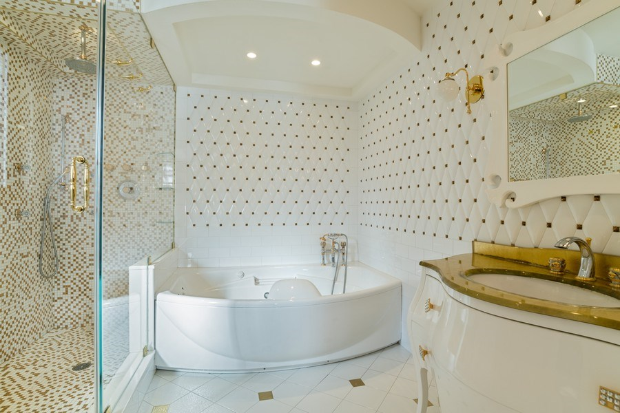 Real Estate Photography - 270 Dover St, Brooklyn, NY, 11235 - Master Bathroom