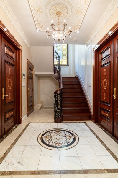Real Estate Photography - 270 Dover St, Brooklyn, NY, 11235 - Foyer