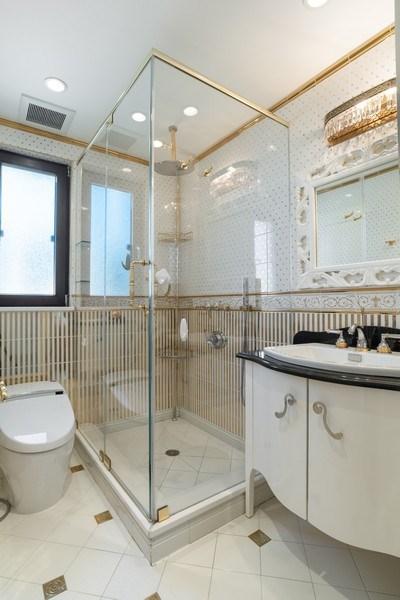 Real Estate Photography - 270 Dover St, Brooklyn, NY, 11235 - Bathroom