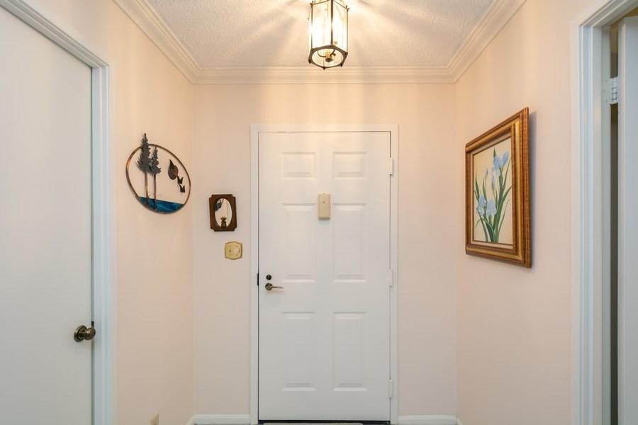 Real Estate Photography - 5904 Mount Eagle, Unit 1015, Alexandria, VA, 22303 - Entryway