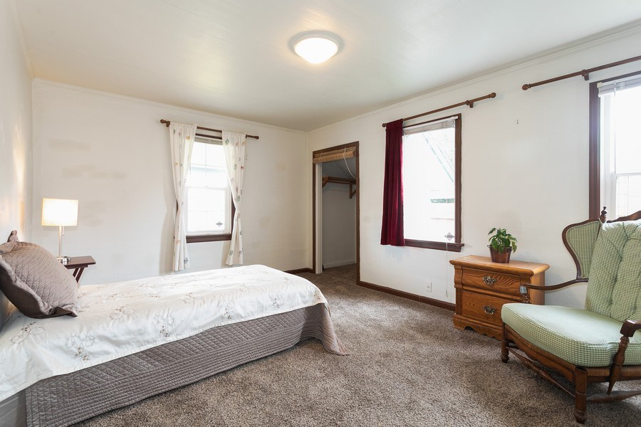 Real Estate Photography - 5818 East Dr, Everett, WA, 98203 - Master Bedroom