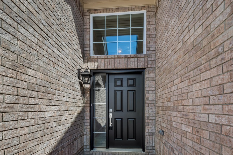 Real Estate Photography - 28190 Lyndon Street, Livonia, MI, 48154 - Entrance