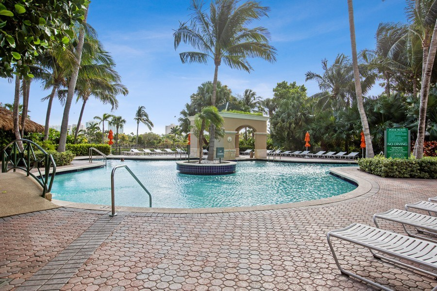 Real Estate Photography - 19501 W Country Club Dr, Unit 2102, Aventura, FL, 33180 - Swimming Pool