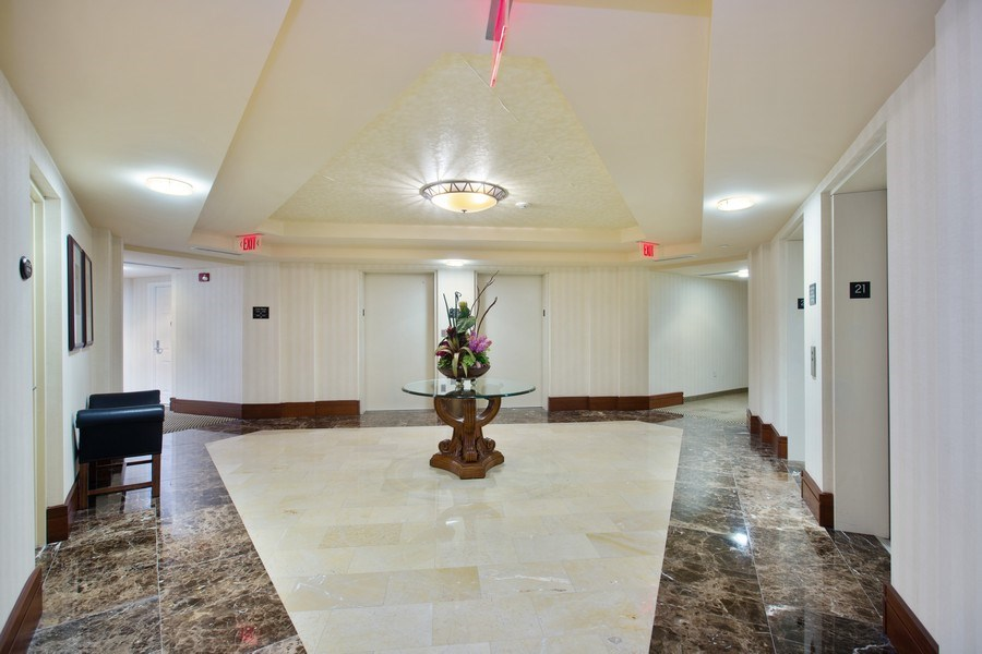 Real Estate Photography - 19501 W Country Club Dr, Unit 2102, Aventura, FL, 33180 - Residence  Hallways