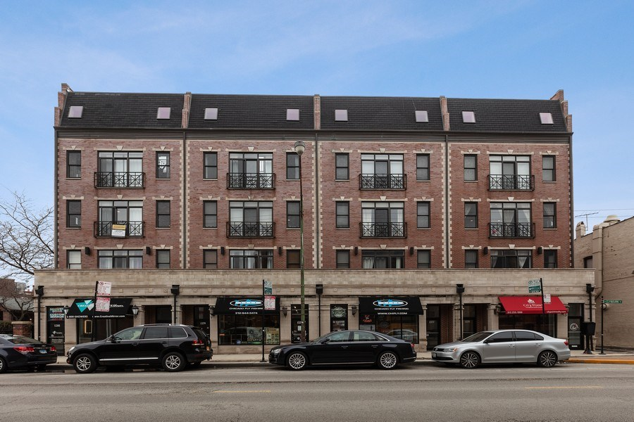 Real Estate Photography - 1275 N Clybourn, Unit 3, Chicago, IL, 60610 - Front View