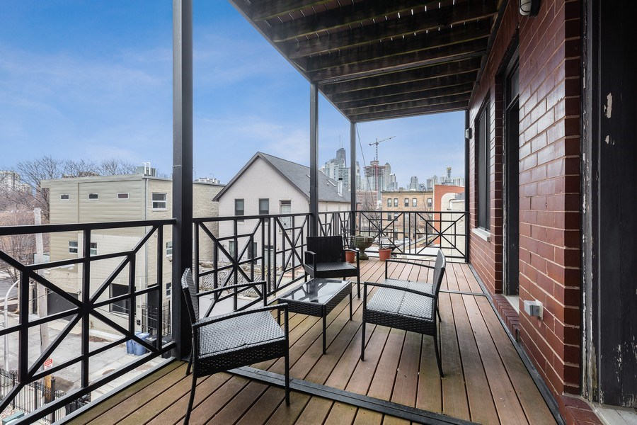 Real Estate Photography - 1275 N Clybourn, Unit 3, Chicago, IL, 60610 - Deck
