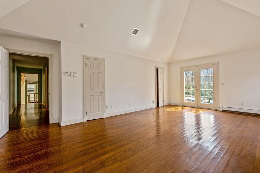 Real Estate Photography - 8 Soundcrest Ln, Lloyd Neck, NY, 11743 - Master Bedroom