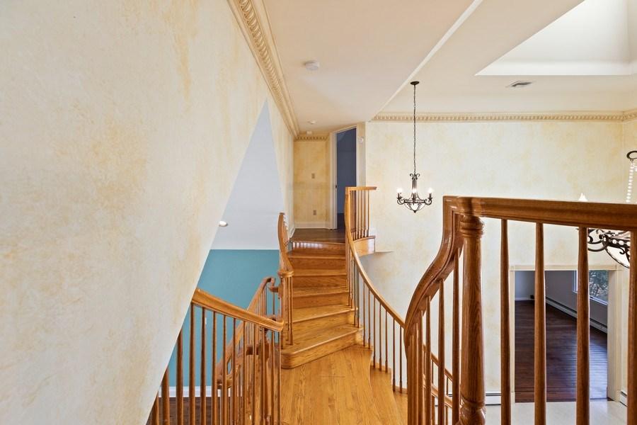 Real Estate Photography - 8 Soundcrest Ln, Lloyd Neck, NY, 11743 - 2nd Floor Corridor