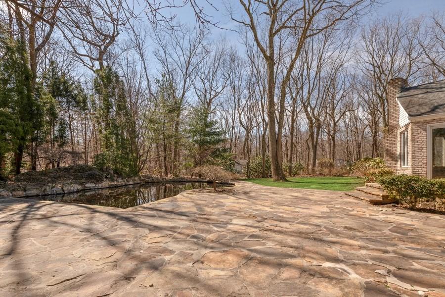 Real Estate Photography - 8 Soundcrest Ln, Lloyd Neck, NY, 11743 - Side View