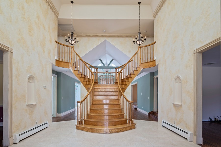 Real Estate Photography - 8 Soundcrest Ln, Lloyd Neck, NY, 11743 - Entryway