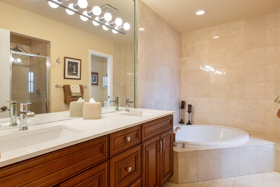 Real Estate Photography - 16550 SW 77 Ct., Palmetto By, FL, 33157 - Master Bathroom