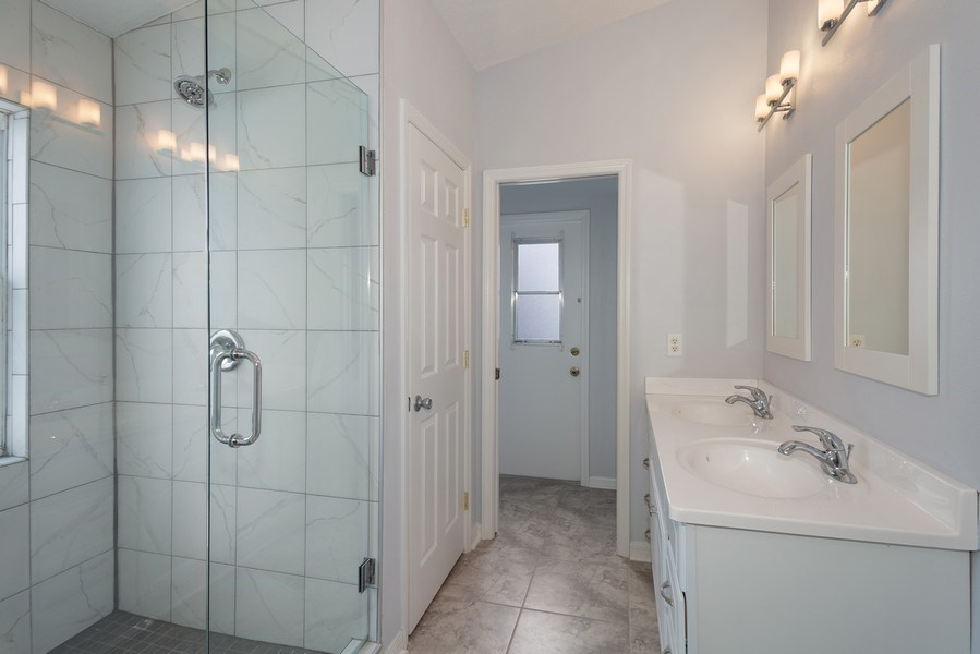 Real Estate Photography - 17407 woodcrest way, clermont, FL, 34714 - Master Bathroom