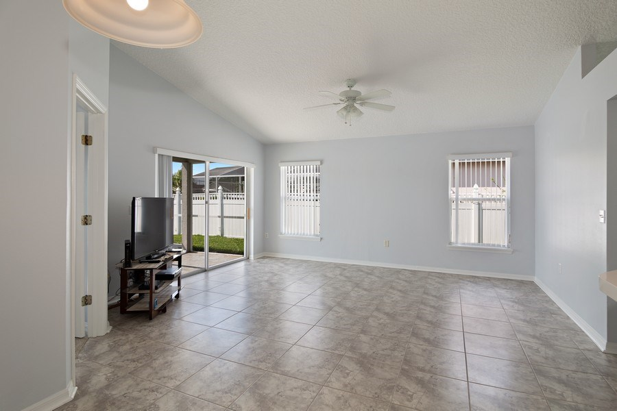 Real Estate Photography - 17407 woodcrest way, clermont, FL, 34714 - Family Room