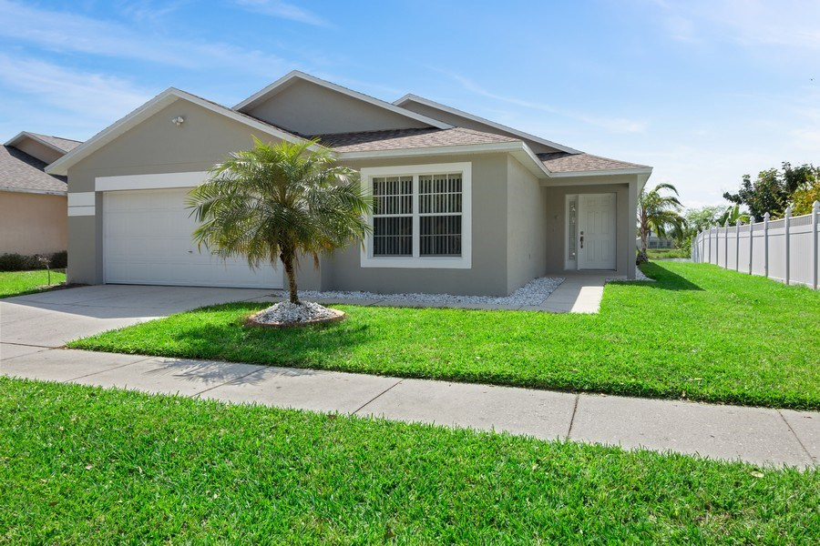 Real Estate Photography - 17407 woodcrest way, clermont, FL, 34714 - Front View
