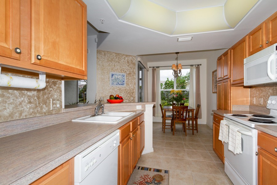 Real Estate Photography - 1380 Tiffany Ln, unit 2206, Naples, FL, 34105 - Kitchen