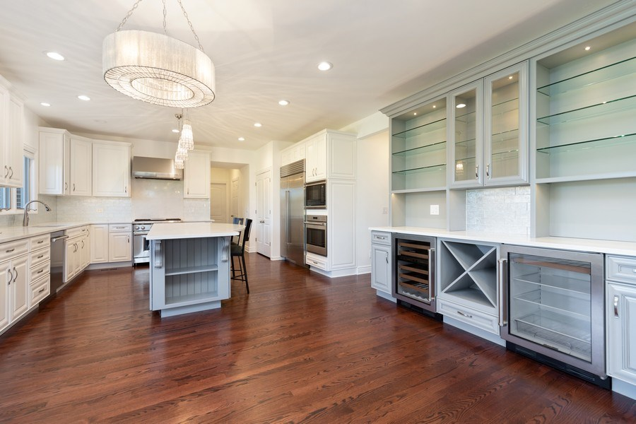 Real Estate Photography - 4 Ascot Lane, Barrington Hills, IL, 60010 - Kitchen