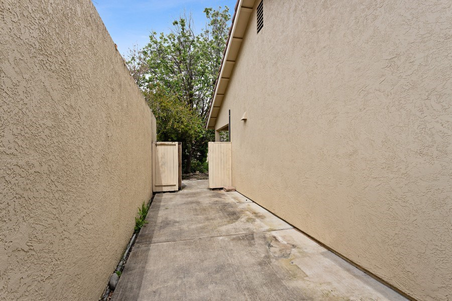 Real Estate Photography - 896 Ridgeview Dr, Woodland, CA, 95695 -