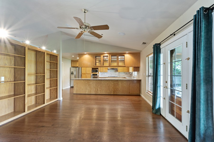 Real Estate Photography - 896 Ridgeview Dr, Woodland, CA, 95695 - Kitchen/Living