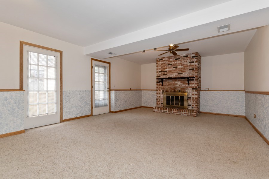 Real Estate Photography - 1410 S. Robert Drive, Mount Prospect, IL, 60056 - Family Room