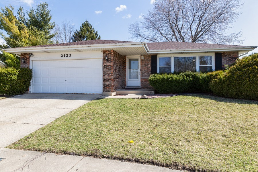 Real Estate Photography - 2123NorthHaig ct, palatine, IL, 60074 - Front View