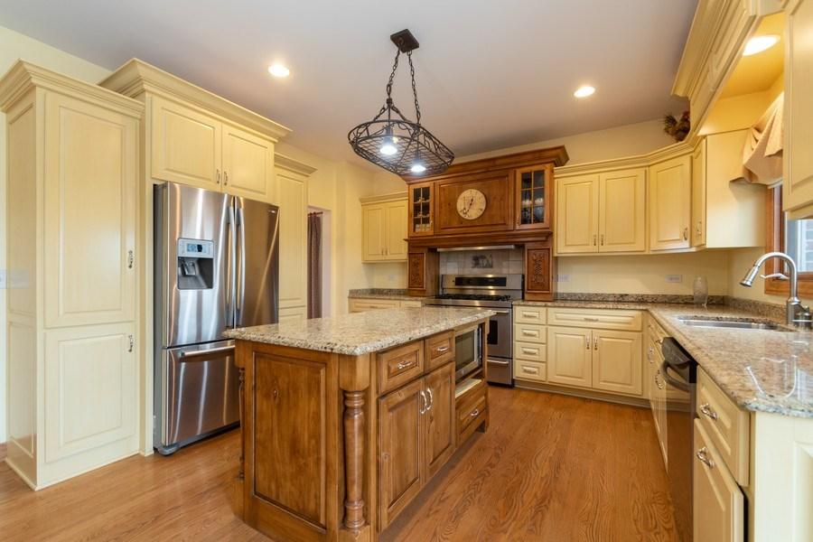 Real Estate Photography - 24410 S. Pine Ridge Drive, Monee, IL, 60449 - Kitchen