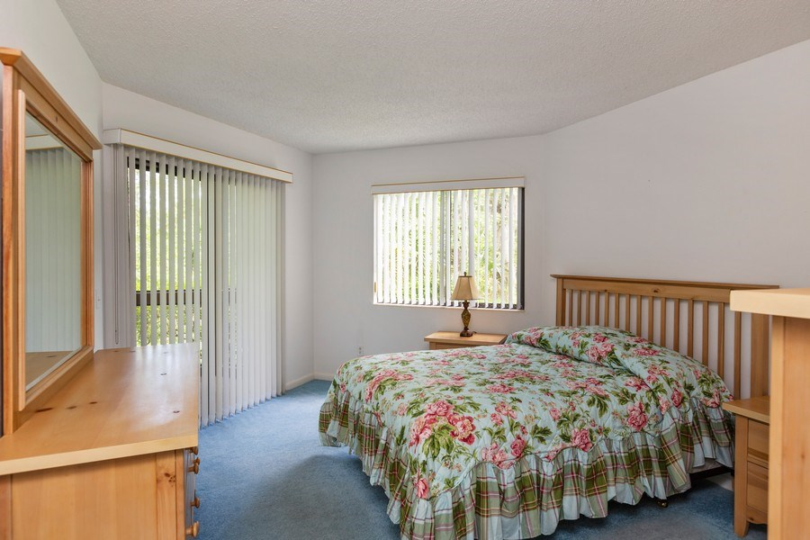 Real Estate Photography - 31 Oxford Lane, Palm Coast, FL, 32137 - Master Bedroom