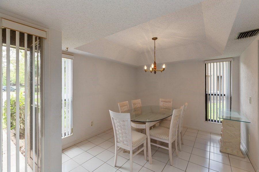 Real Estate Photography - 31 Oxford Lane, Palm Coast, FL, 32137 - Dining Room