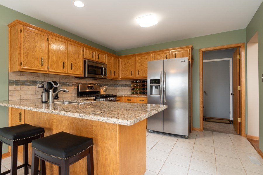 Real Estate Photography - 19444 Tramore Lane, Mokena, IL, 60448 - Kitchen