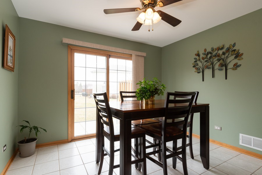 Real Estate Photography - 19444 Tramore Lane, Mokena, IL, 60448 - Breakfast Nook