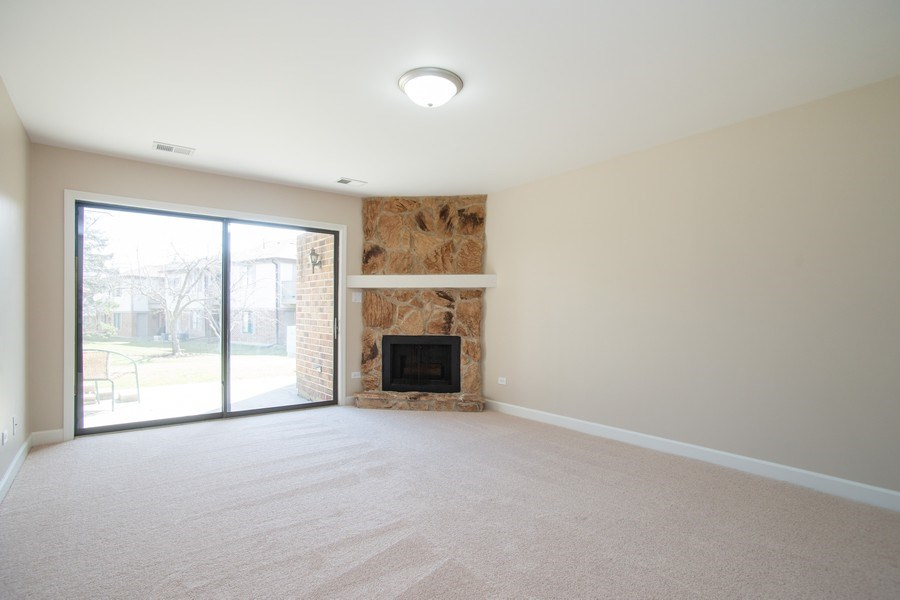 Real Estate Photography - 4131 N. PHEASANT TRAIL CT, UNIT 5, ARLINGTON HEIGHTS, IL, 60004 - Living Room