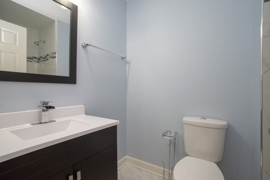 Real Estate Photography - 4131 N. PHEASANT TRAIL CT, UNIT 5, ARLINGTON HEIGHTS, IL, 60004 - Half Bath