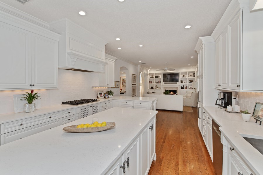 Real Estate Photography - 1590 Woodland Ave, Winter Park, FL, 32789 - Kitchen