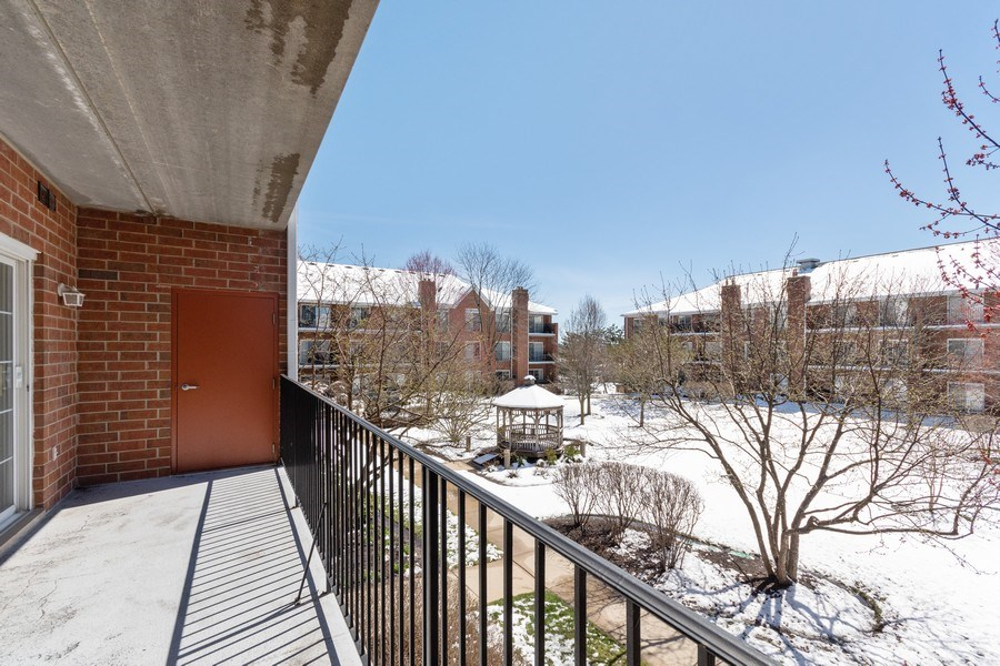 Real Estate Photography - 143 Hunt Club, St Charles, IL, 60174 - Balcony