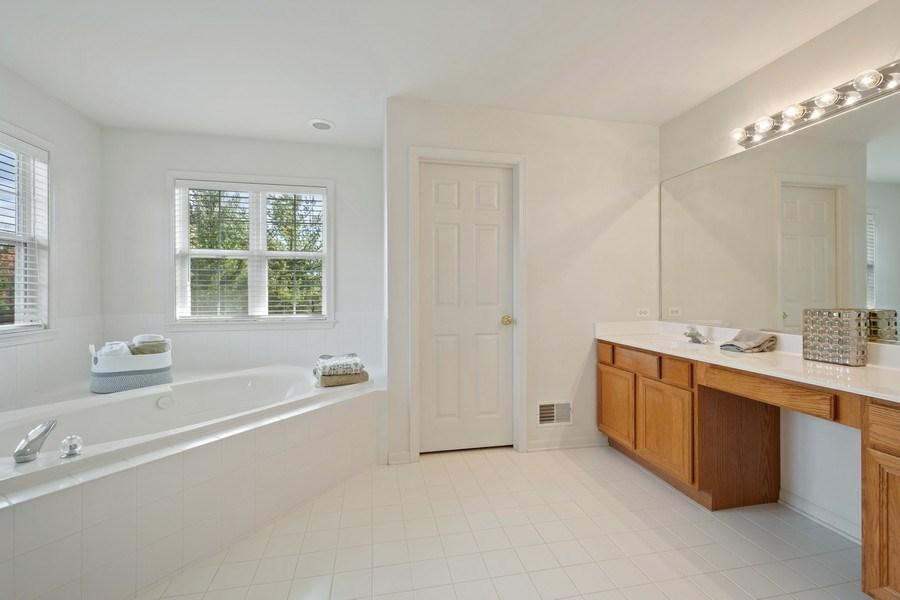 Real Estate Photography - 28308 W Savannah Trl, Lake Barrington, IL, 60010 - Master Bathroom