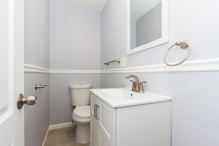 Real Estate Photography - 1038 W 109th St, Chicago, IL, 60643 - 2nd Bathroom