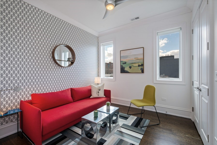 Real Estate Photography - 722 W. Aldine #4W, Chicago, IL, 60657 - 2nd Bedroom
