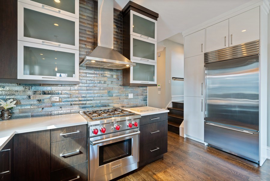 Real Estate Photography - 722 W. Aldine #4W, Chicago, IL, 60657 - Kitchen