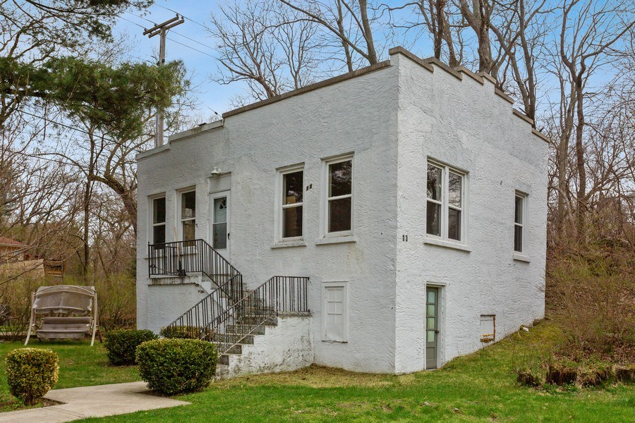 Real Estate Photography - 11 S. Broadway, Beverly Shores, IN, 46301 - Rental Cottage 2