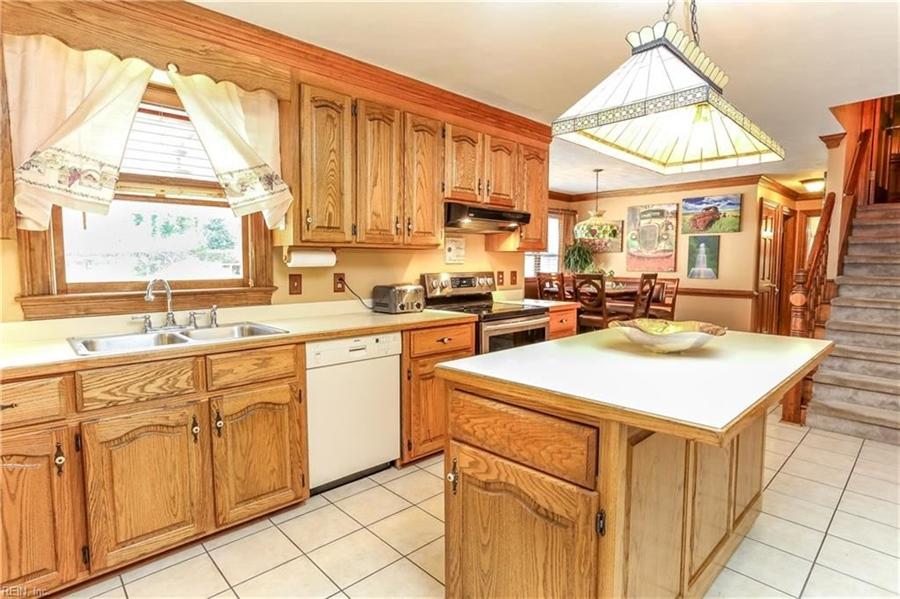 Real Estate Photography - 5732 Aura Dr, Virginia Beach, VA, 23457 - Location 7