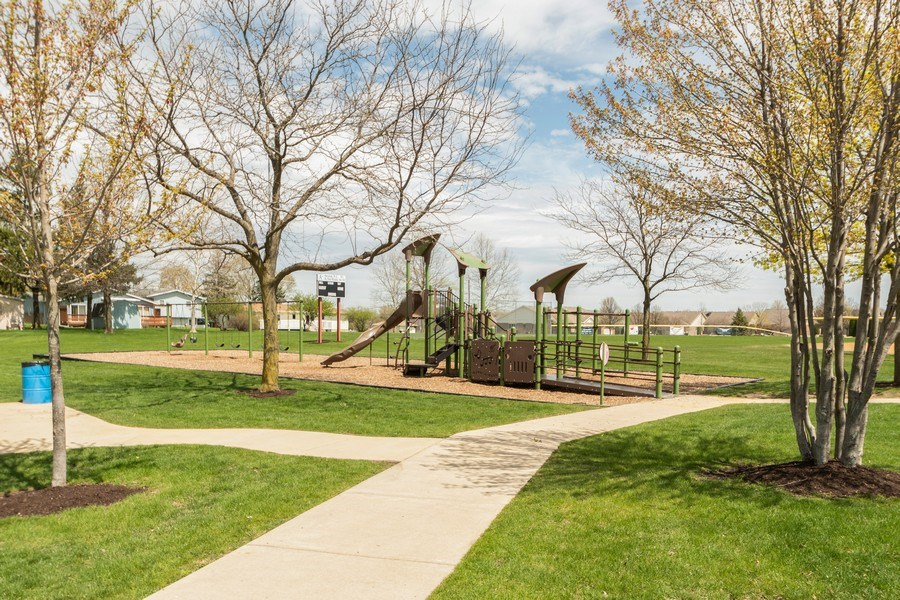 Real Estate Photography - 682 Charlotte Court, New Lenox, IL, 60451 - Location 2