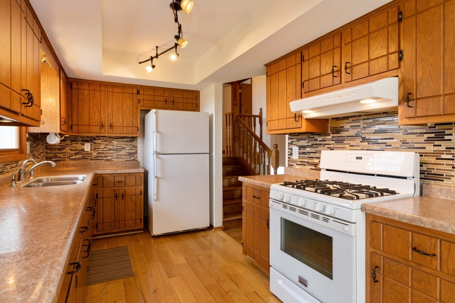 Real Estate Photography - 682 Charlotte Court, New Lenox, IL, 60451 - Kitchen