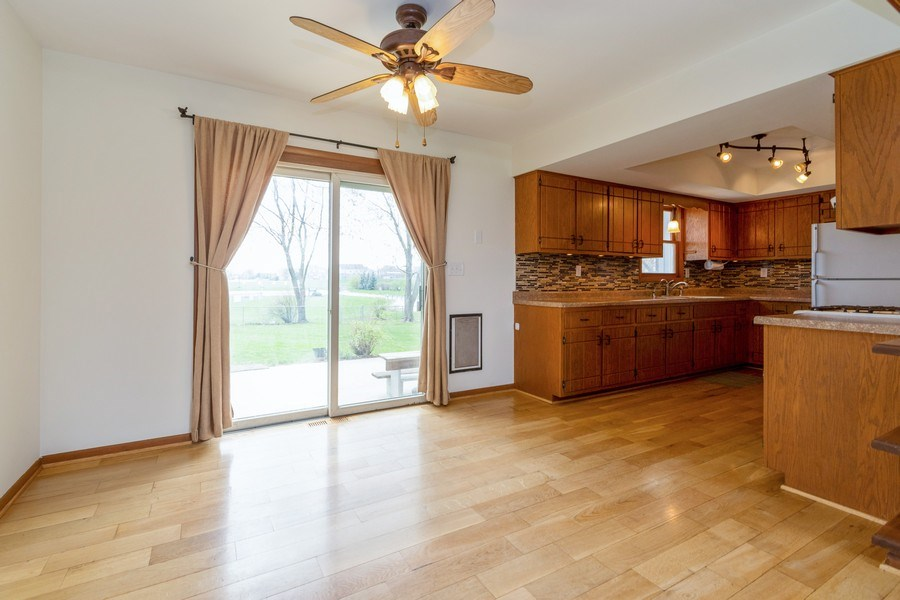 Real Estate Photography - 682 Charlotte Court, New Lenox, IL, 60451 - Dining Area