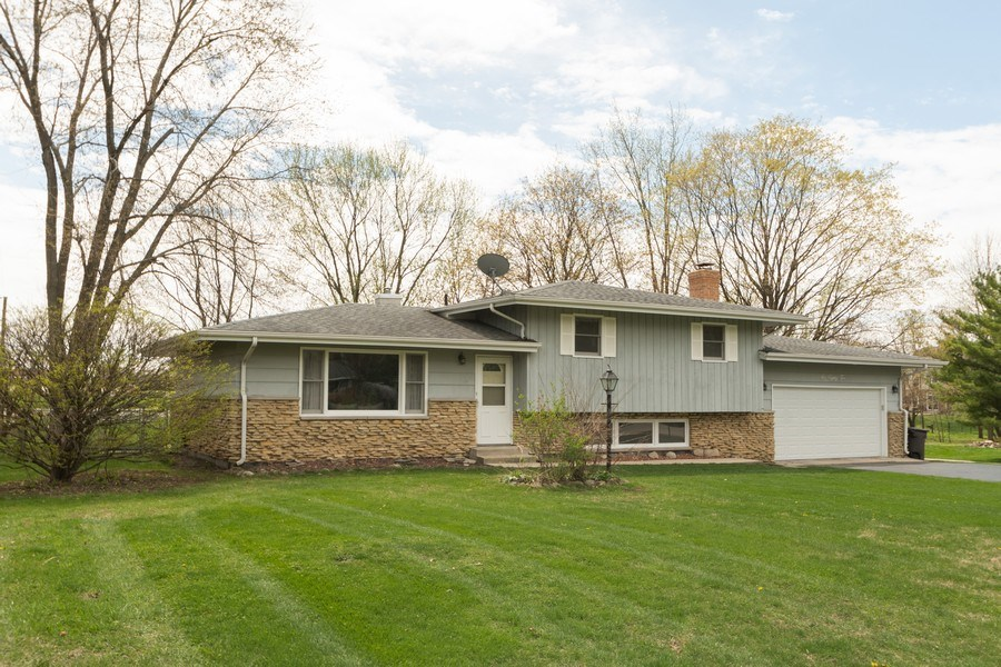 Real Estate Photography - 682 Charlotte Court, New Lenox, IL, 60451 - Front View