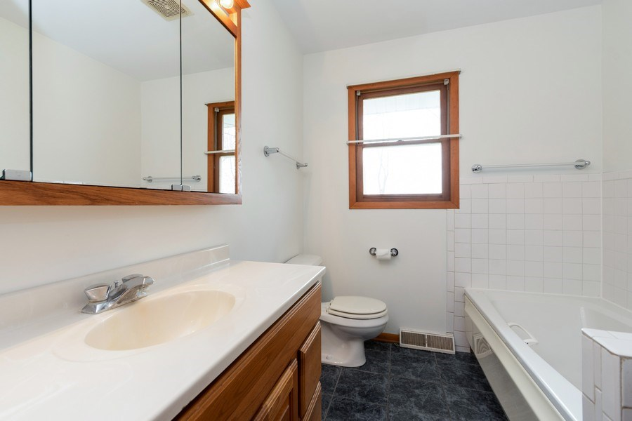 Real Estate Photography - 682 Charlotte Court, New Lenox, IL, 60451 - Bathroom