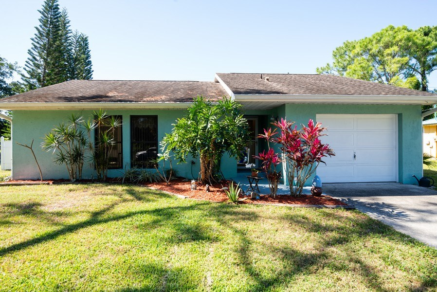 Real Estate Photography - 1735 17th Lane SW, Vero Beach, FL, 32962 - Front View